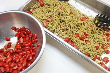 Slice tomatoes to release their sweet juices into the pasta.